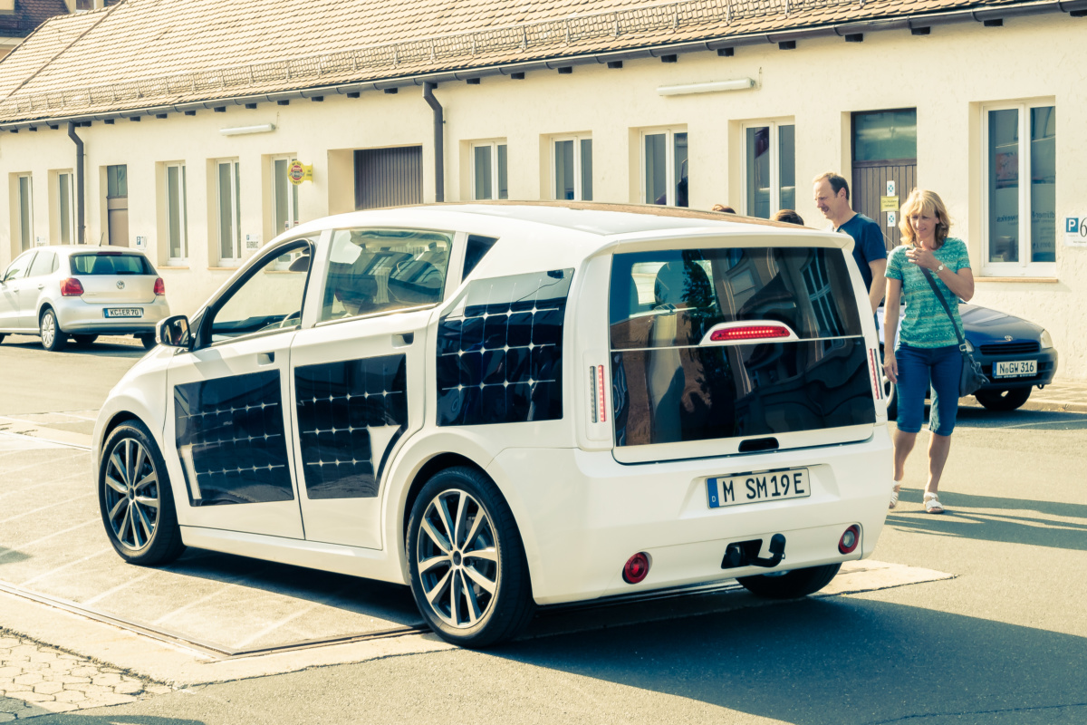 солнечный электромобиль Sono Sion отправляется на тесты