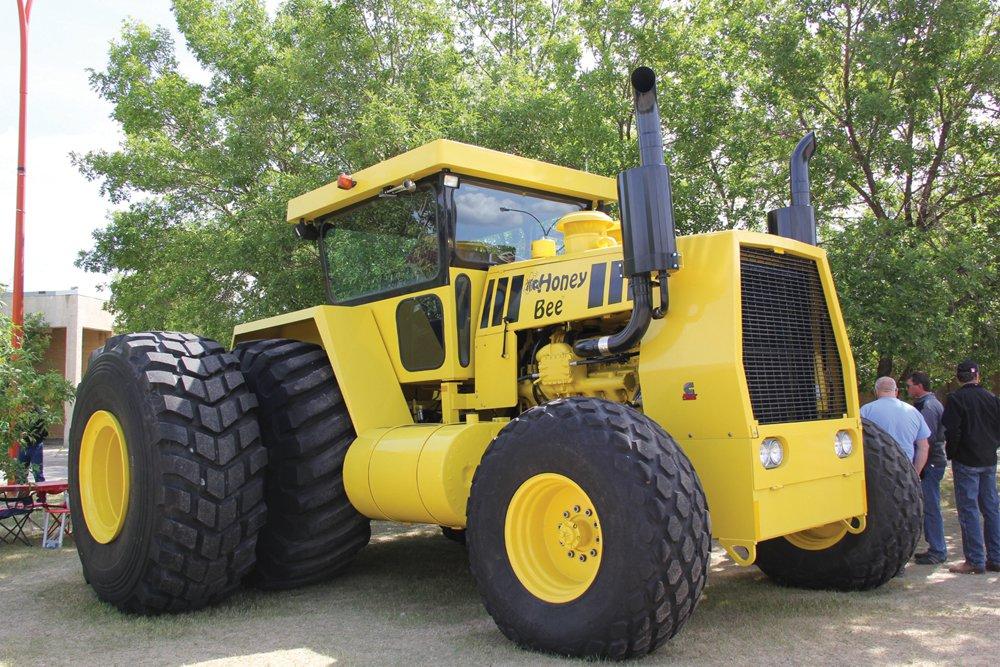 Трактор Honey Bee 500