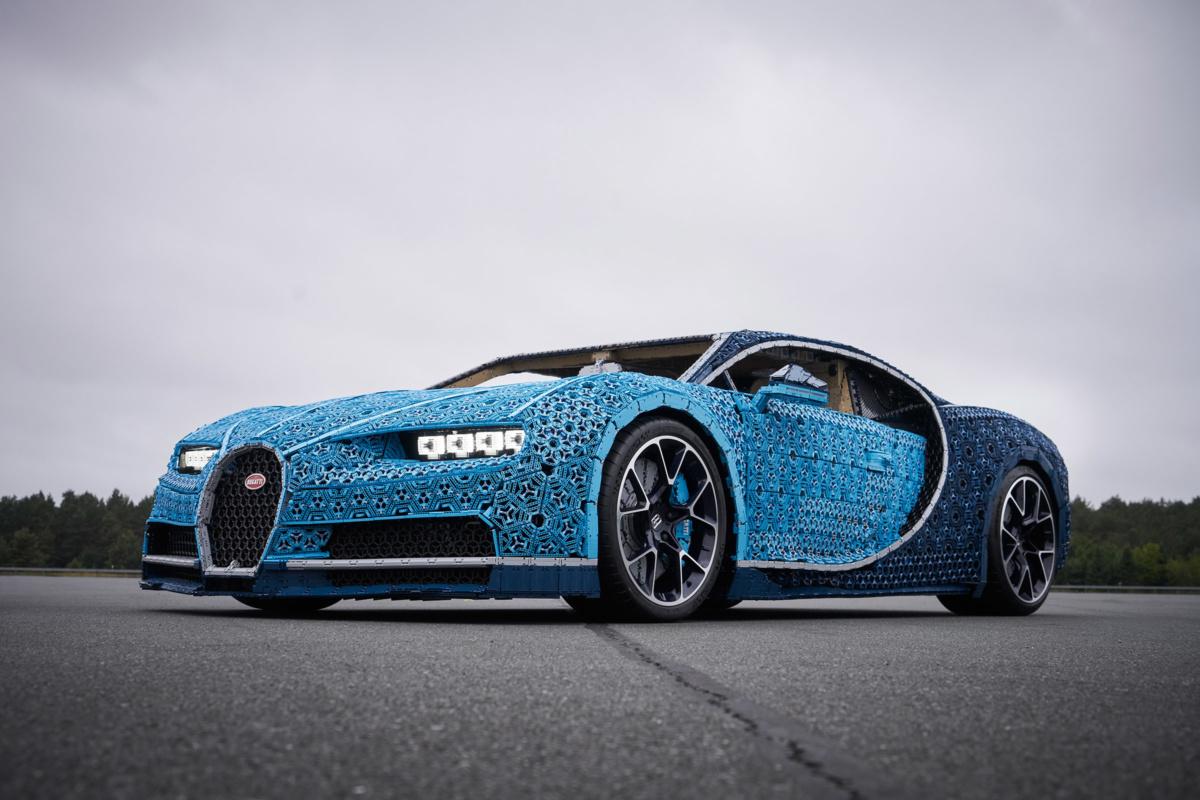 Lego Chiron копия Bugatti Chiron из деталей Лего