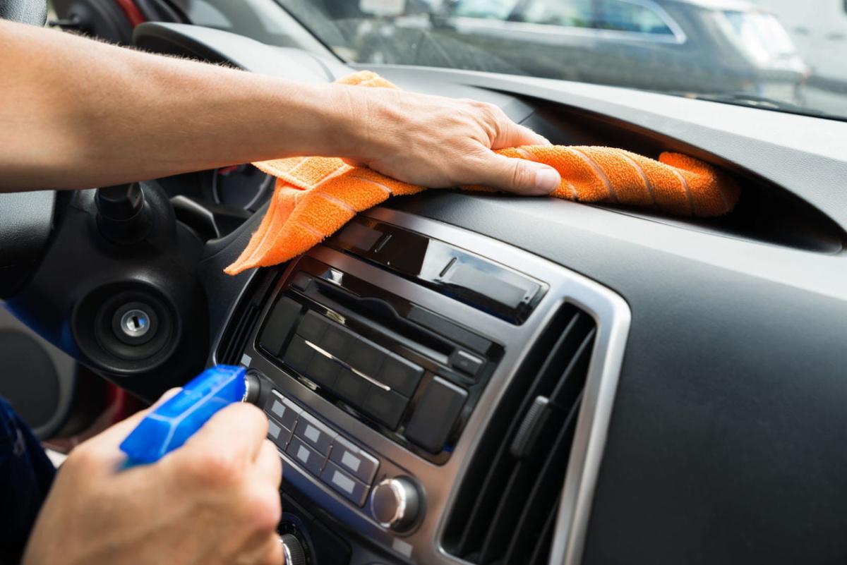 На каких автомобилях женщины предпочитают видеть мужчин - чистый салон авто