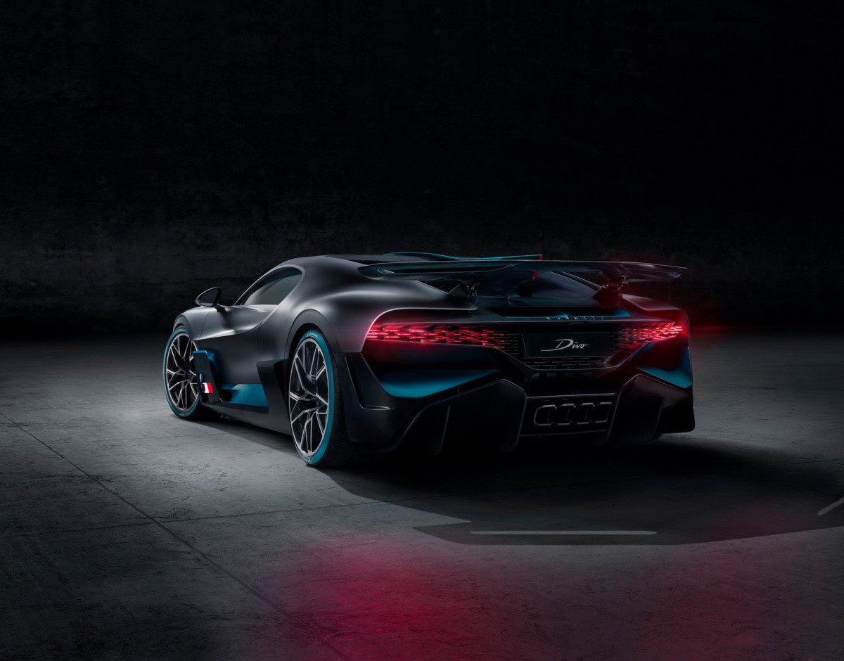 Новый гиперкар Bugatti Divo полностью рассекречен
