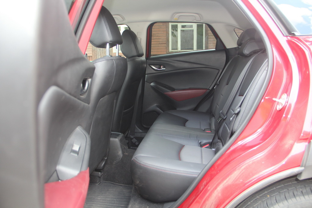 Задний ряд Mazda CX-3