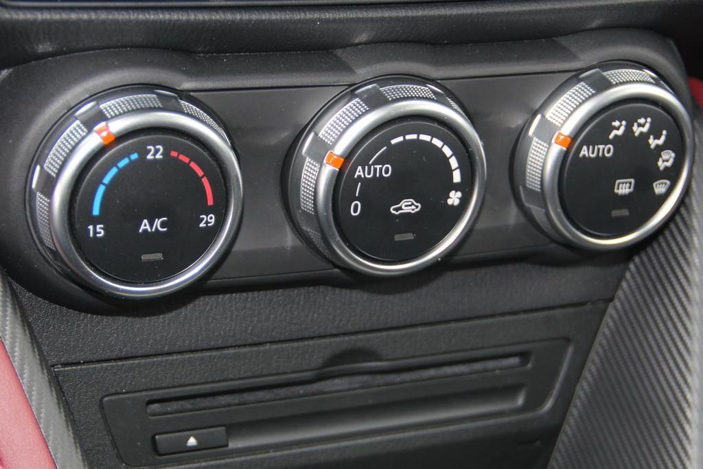 Климат-контроль Mazda CX-3