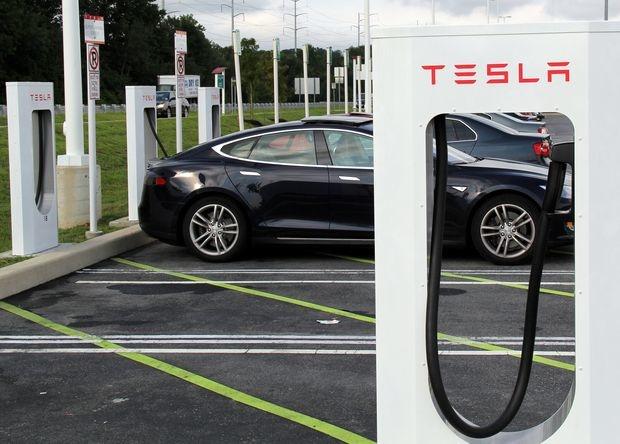 ПДД и безопасность Как угнать Tesla за две секунды   Станислав Сидилев 12 Сен 14:00 64