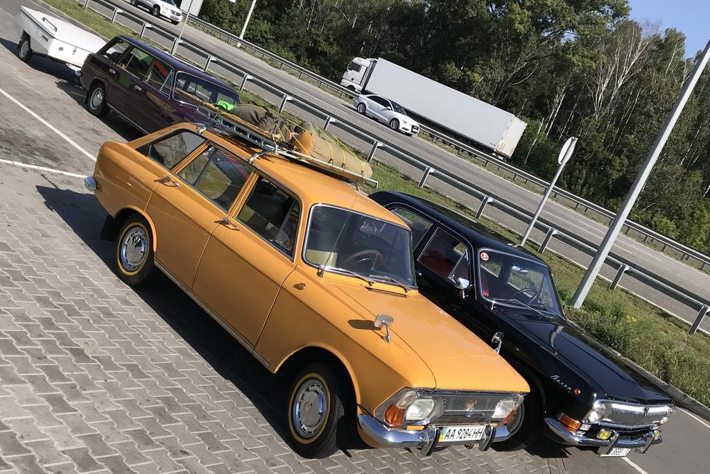 ретро авто ГАЗ-24 Волга, Москвич Иж-2125 Комби, ВАЗ-2102