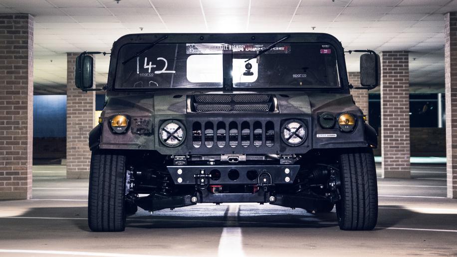 В США создали заниженный Hummer H1 для гоночного трека