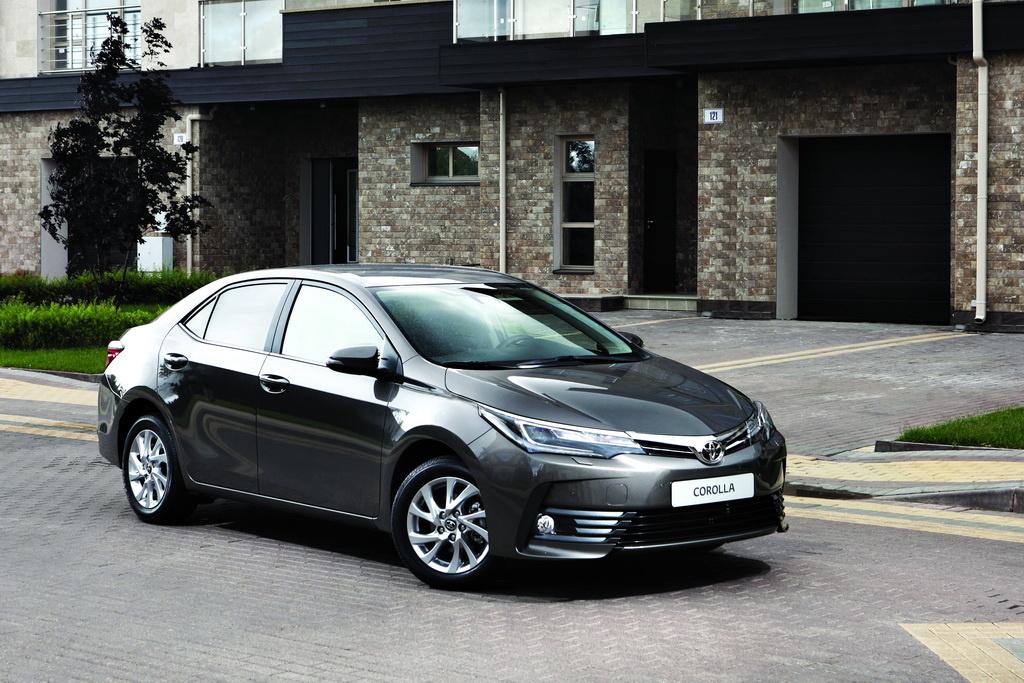 Внешность Toyota Corolla вид спереди