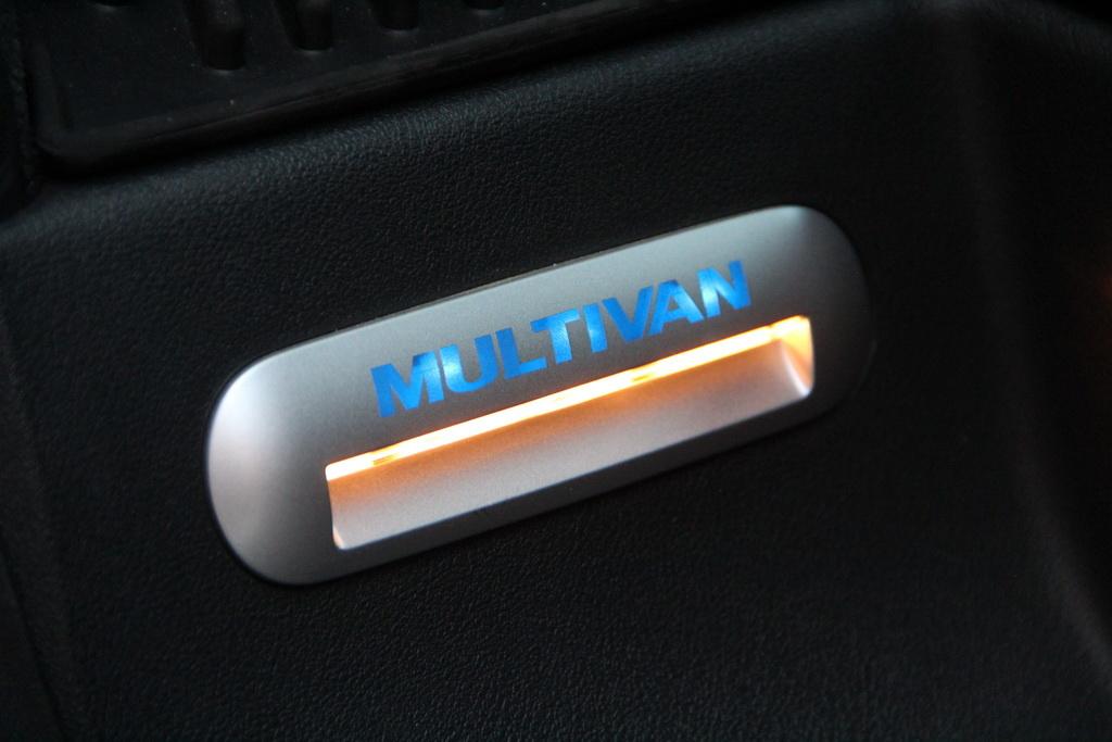 Подсветка порогов Volkswagen Multivan 2018