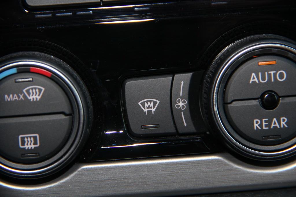 Обогрев лобового стекла Volkswagen Multivan 2018