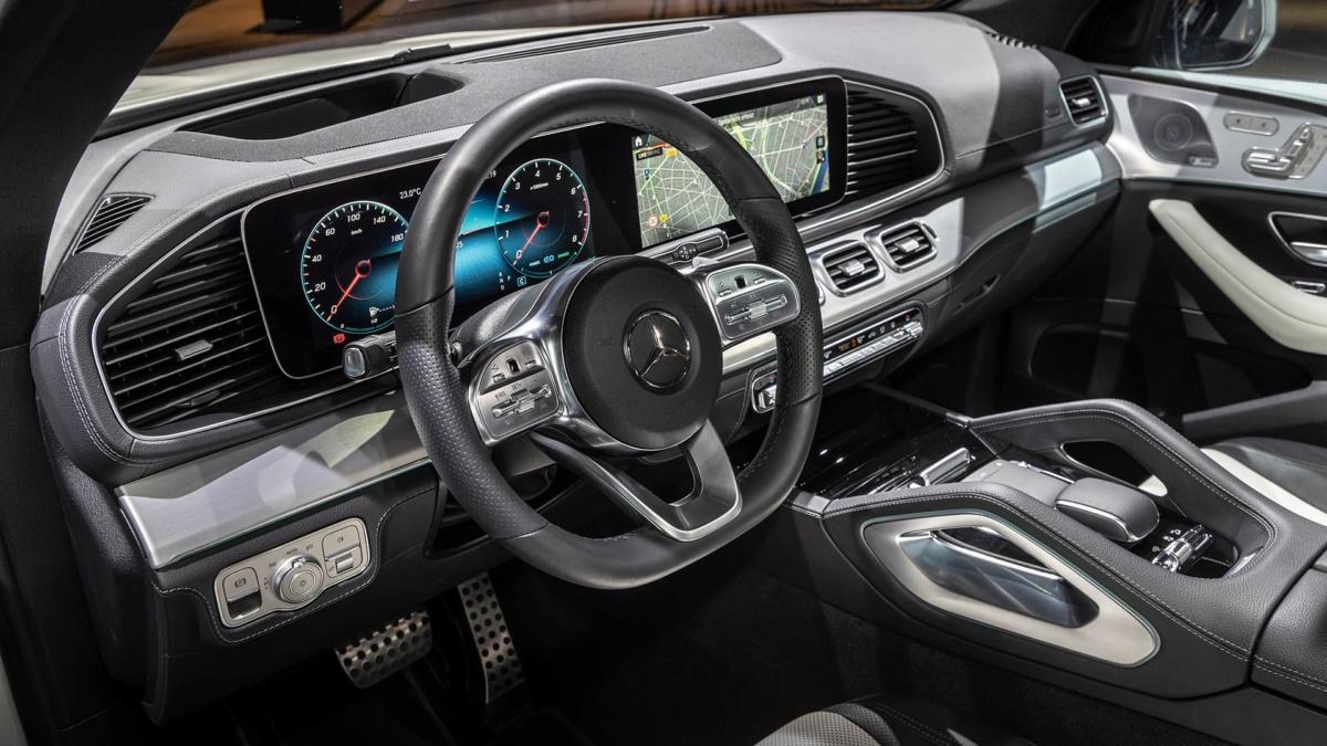 Парижский автосалон: живые фото нового Mercedes-Benz GLE 2019