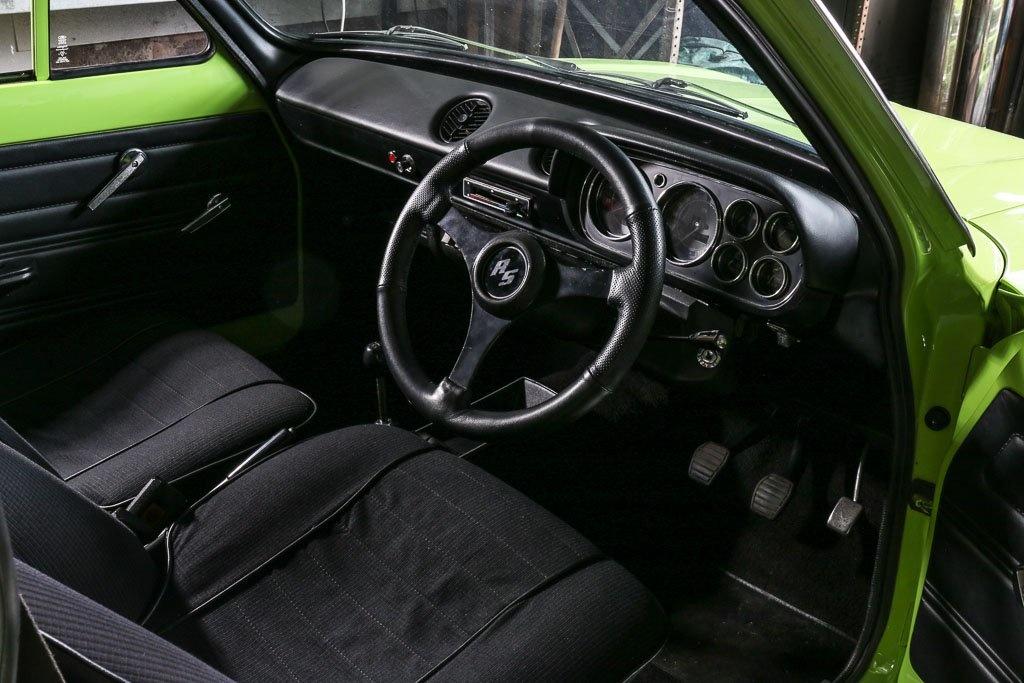 Старый Ford Escort продали по цене нового Porsche Cayenne
