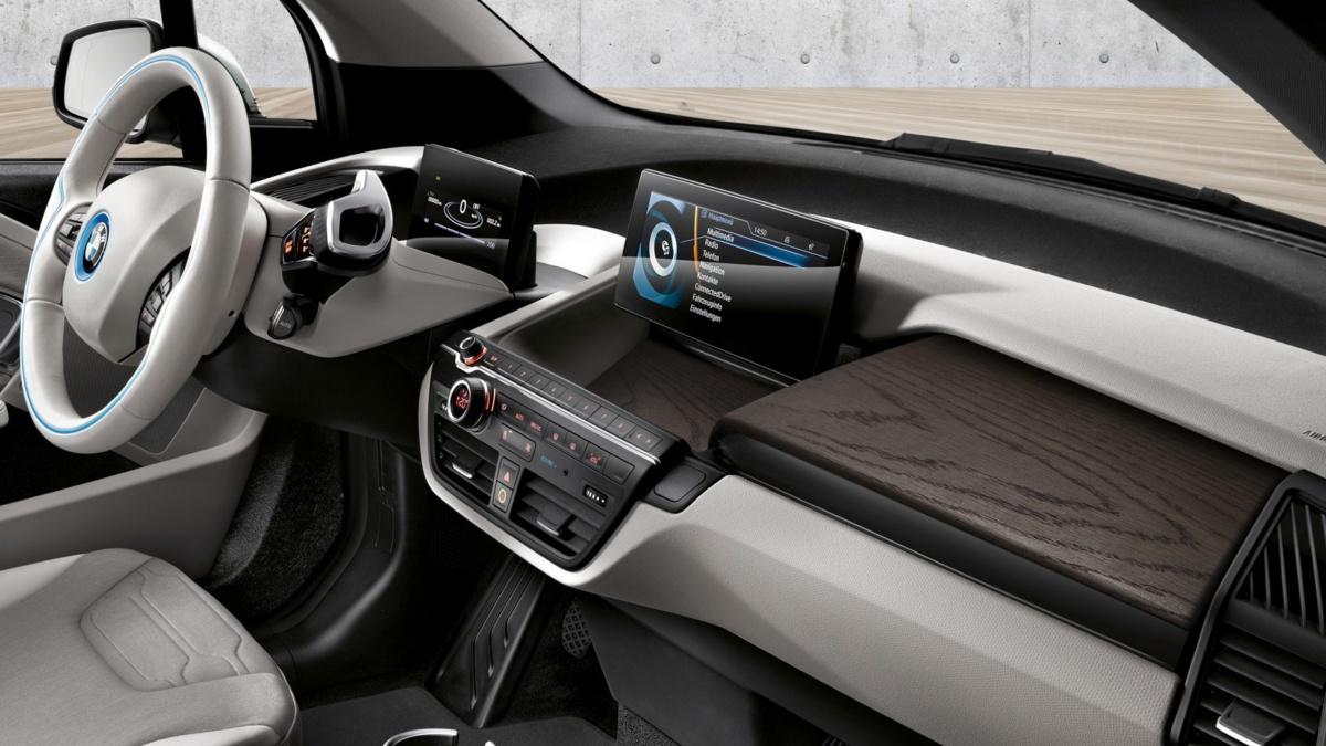 BMW i3 2019 интерьер