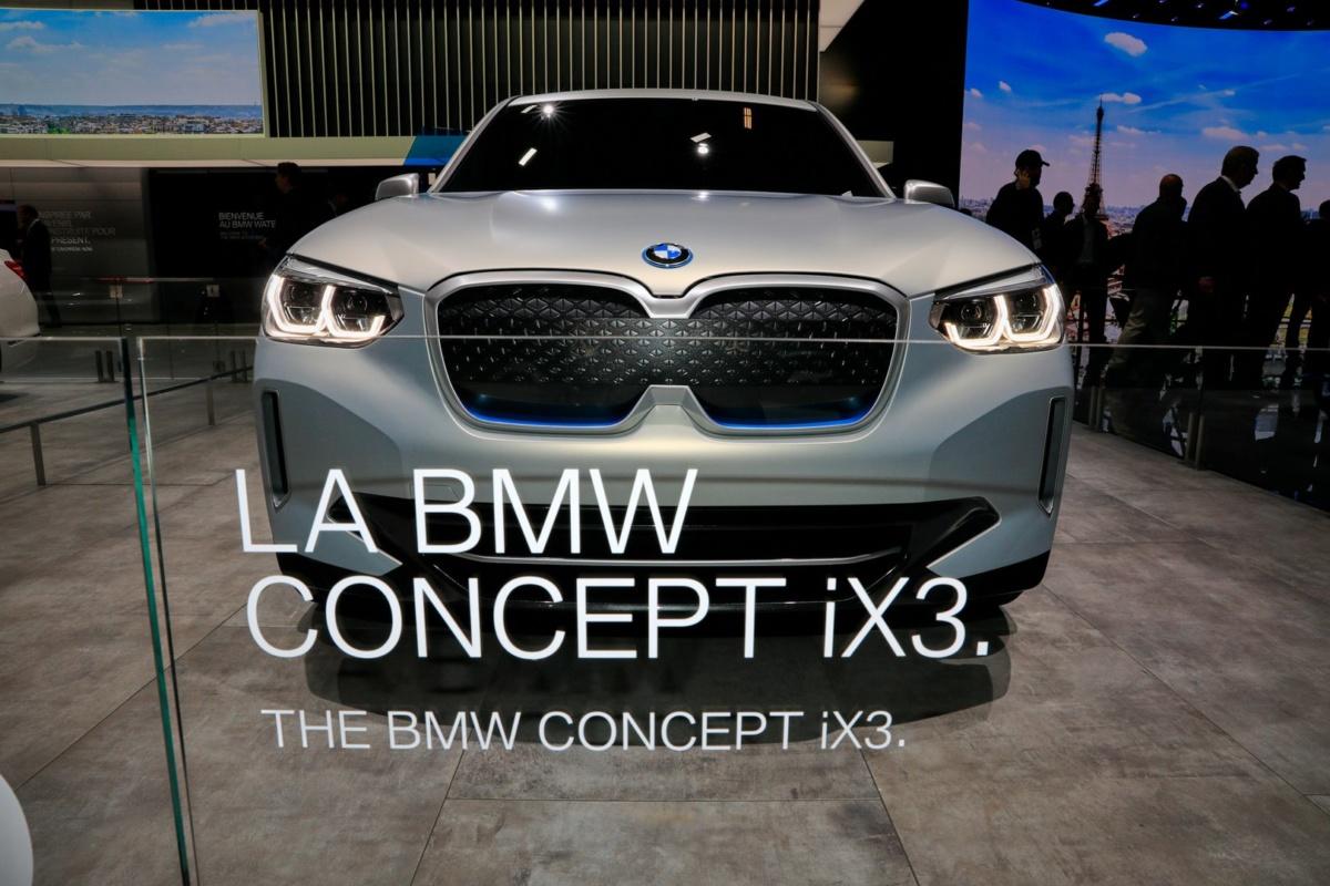 Электрический кроссовер BMW iX3