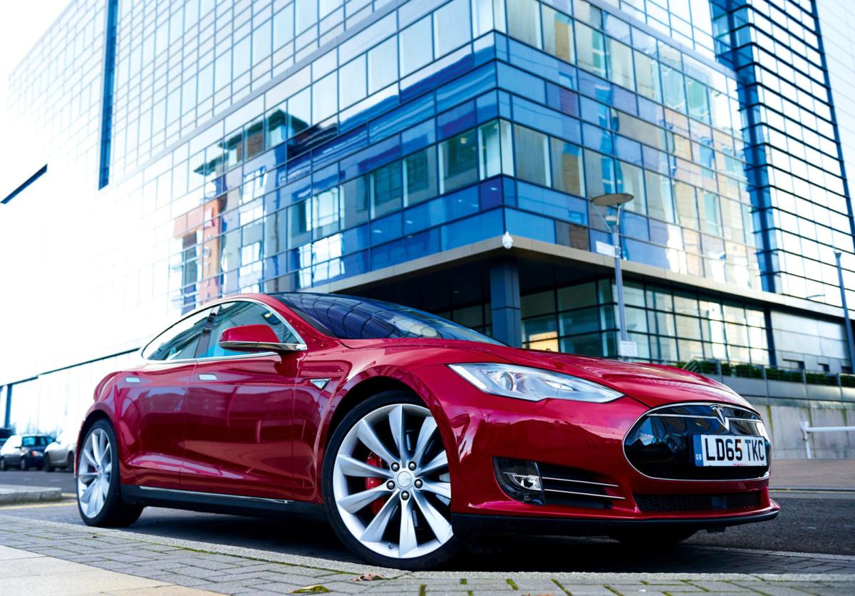 Прибыль Tesla вышла нарекордные 312 млн долларов