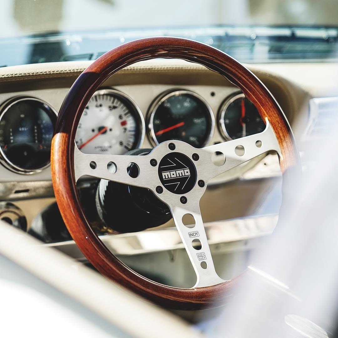 Американцы скрестили старый Porsche 911 и Tesla