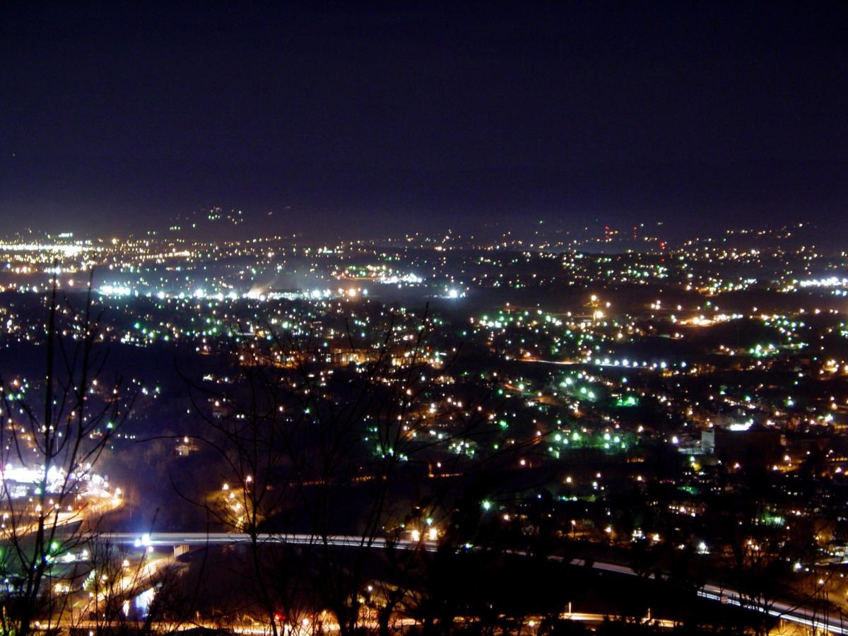 уличное освещение - мегаполис