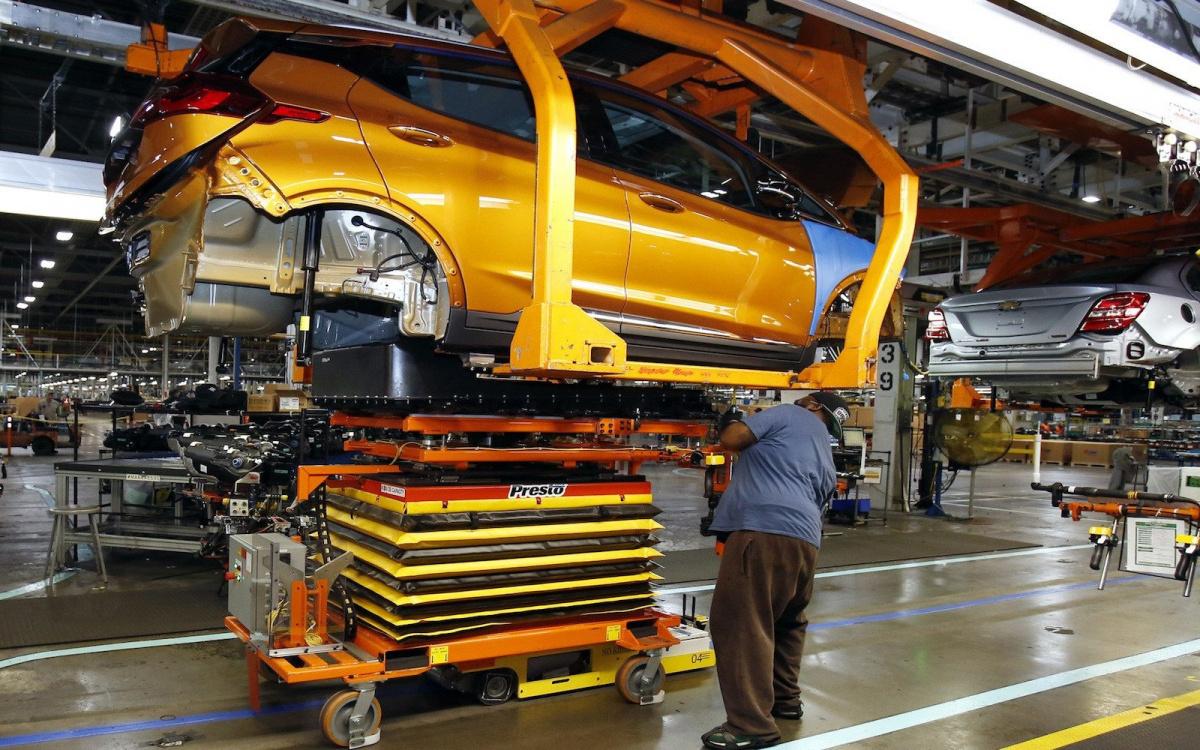 Почему электромобили такие дорогие- производство