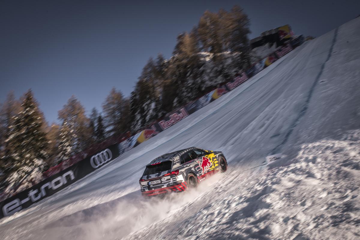 Audi e-tron взобрался по горонолыжной трассе Альп