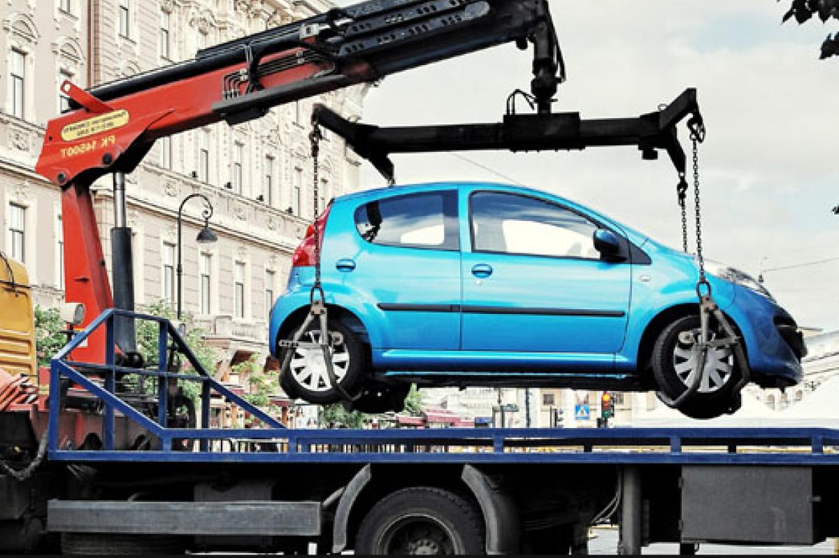 В каких случаях могут забрать авто на штрафплощадку - эвакуатор