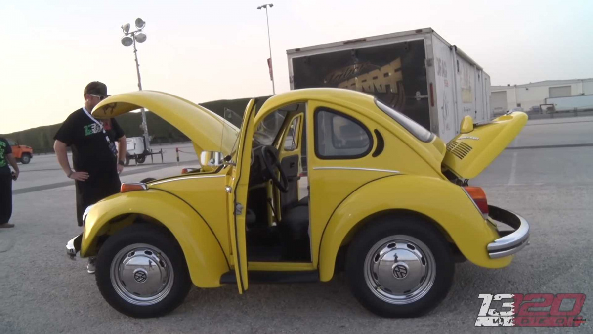 карликовый Volkswagen Beetle
