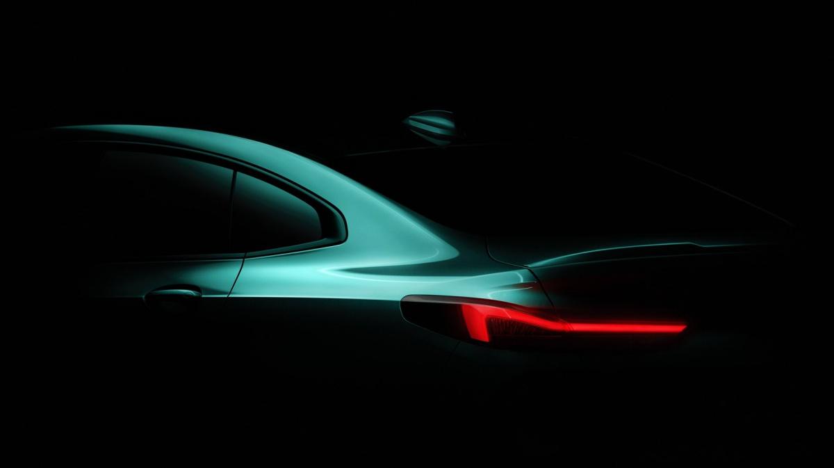 BMW впервые показала свой новый компактный седан