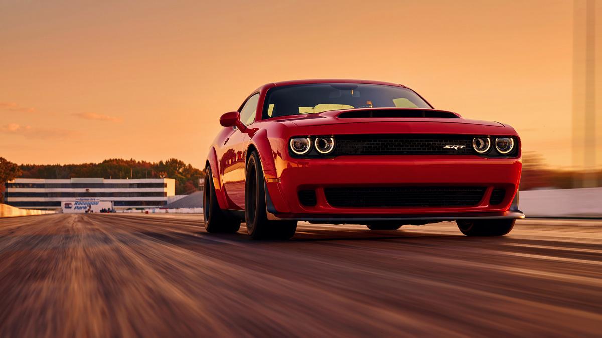 Разгон от 0 до 100 км/ч менее, чем за 3 секунды - Dodge Challenger SRT Demon