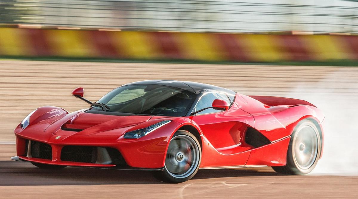 Разгон от 0 до 100 км/ч меньше, чем за 3 секунды - Ferrari LaFerrari