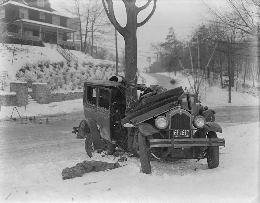 ДТП 30-х годов фотоколлекция: автомобильная авария_11