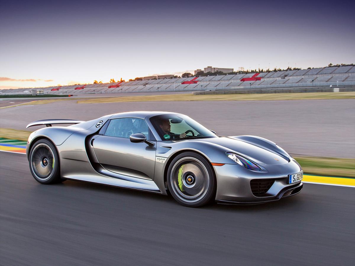 Разгон от 0 до 100 км/ч меньше, чем за 3 секунды - Porsche 918 Spyder