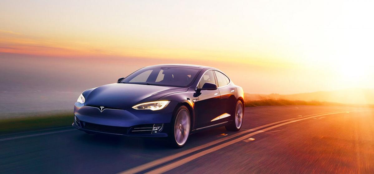 Разгон от 0 до 100 км/ч меньше, чем за 3 секунды - Tesla Model S P100D