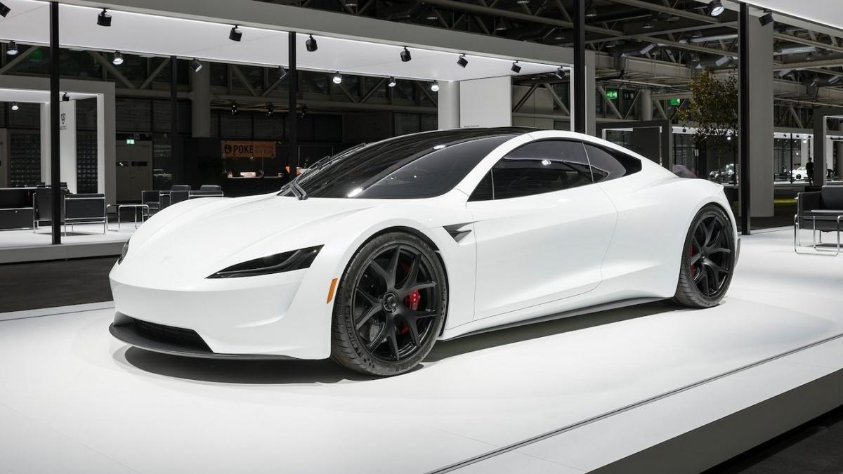 Разгон от 0 до 100 км/ч меньше, чем за 3 секунды - Tesla Roadster 2020