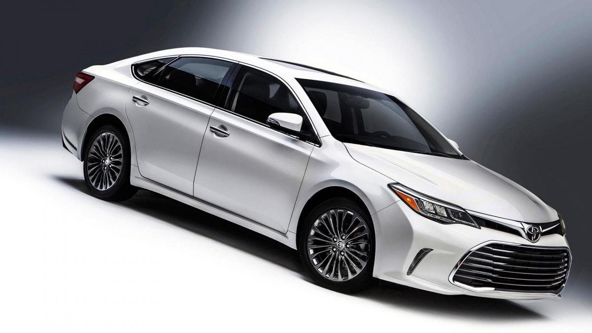 7 моделей авто для миллениалов - Toyota Camry