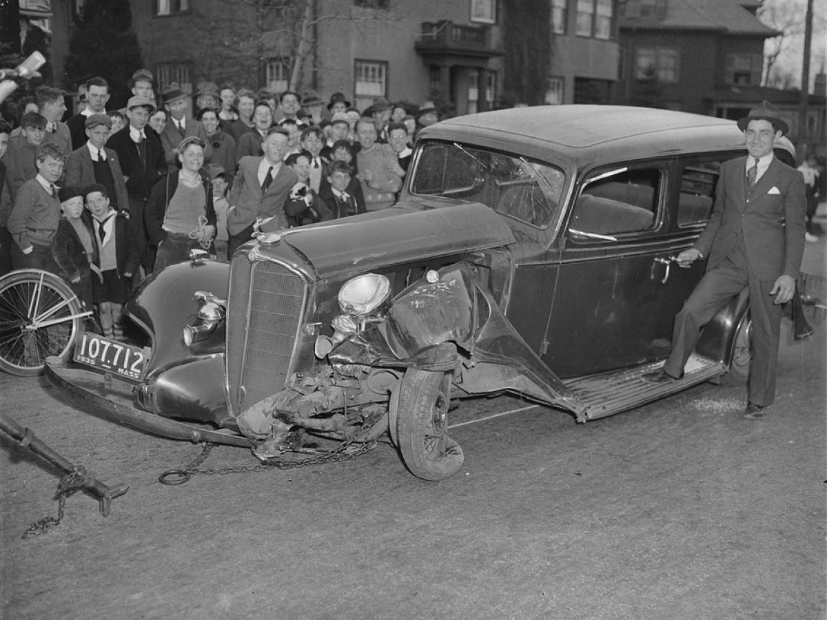 ДТП 30-х годов фотоколлекция: автомобильная авария _1