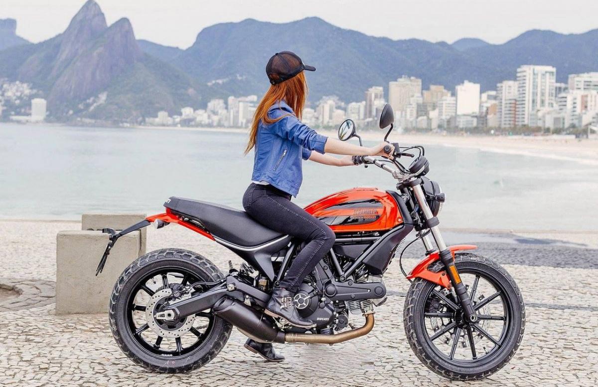 дорожный мотоцикл Ducati Scrambler Sixty2