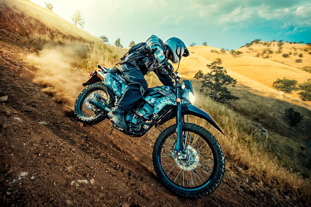 Как ухаживать за мотоциклетным сиденьем, кожаной мотоэкипировкой, шлемом