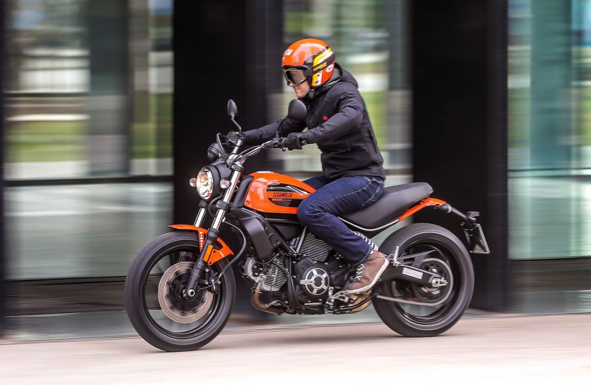 дорожный мотоцикл Ducati Scrambler Sixty2 Украина