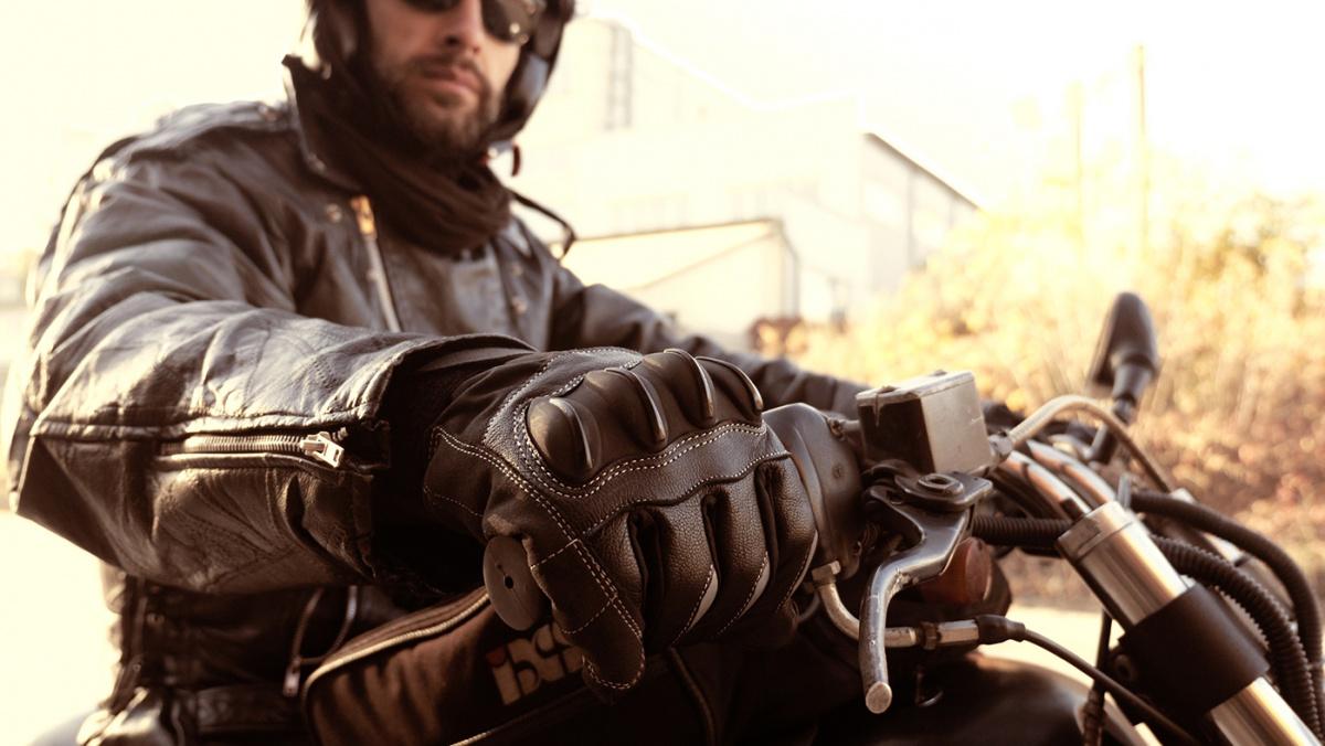 Как ухаживать за кожаной мотоэкипировкой - курткой, шлемом, перчатками
