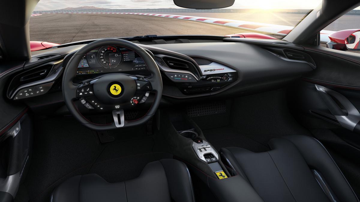 Ferrari SF90 Stradale интерьер