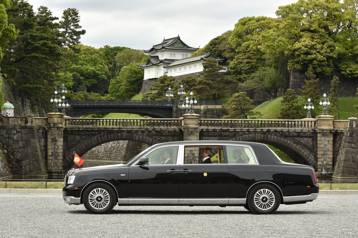 Rolls-Royce Corniche японского императора
