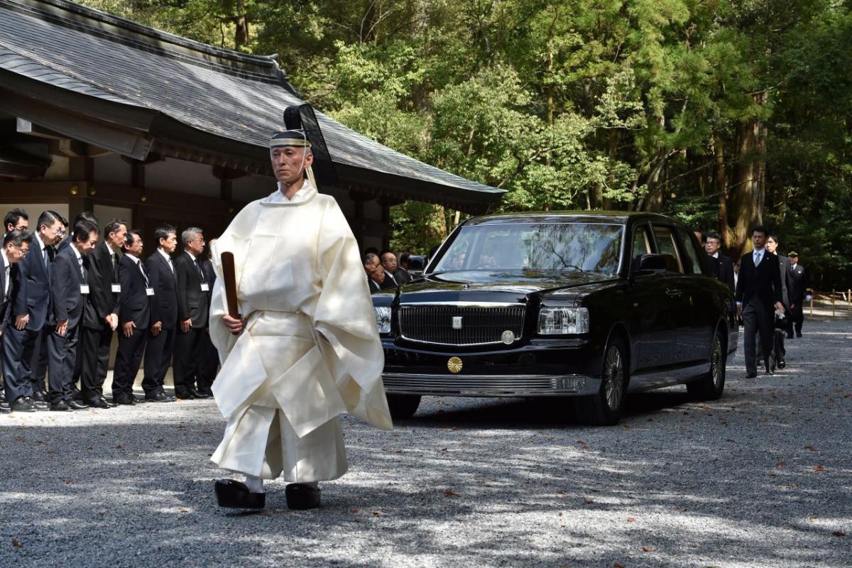 японски император - кортеж