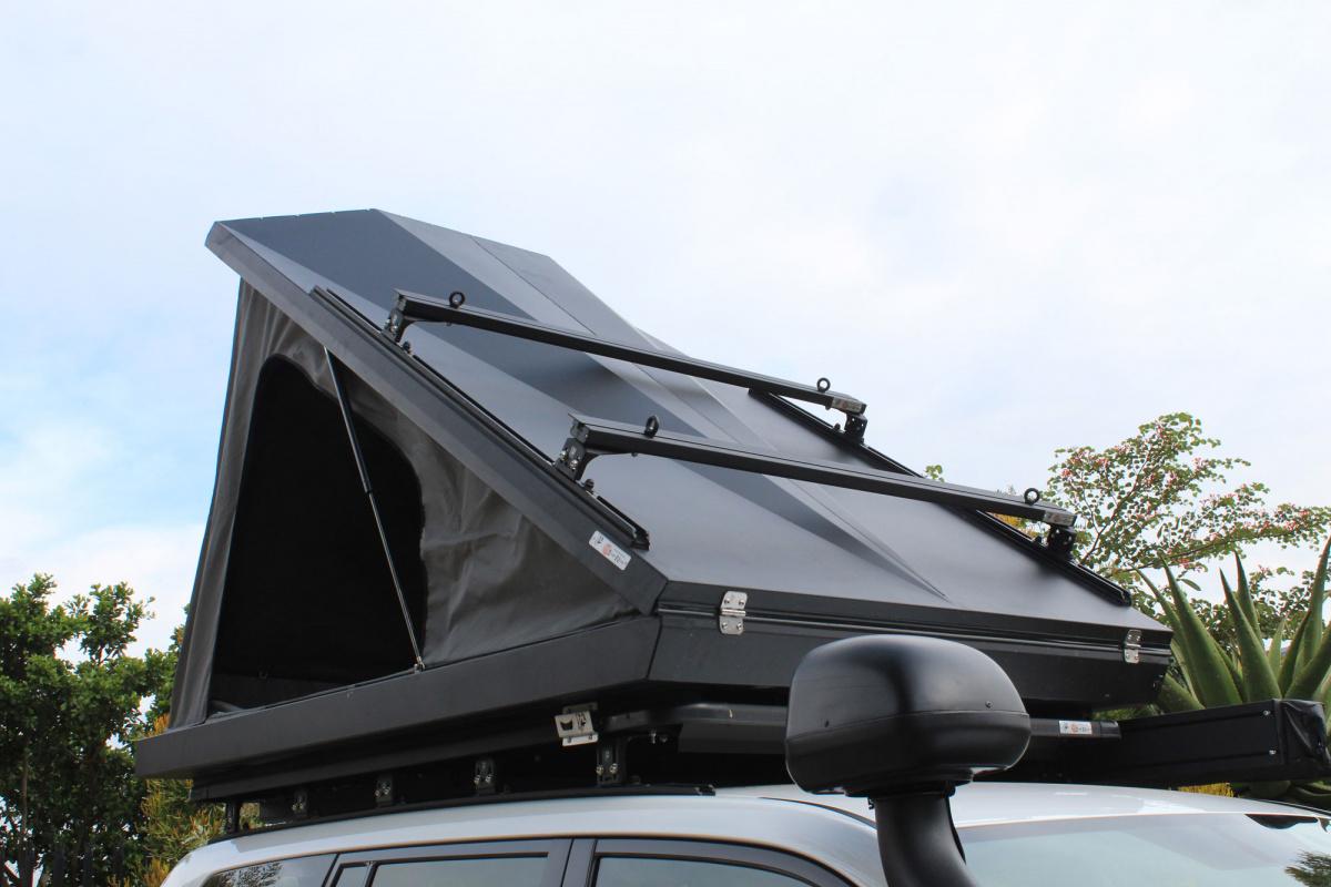 палатка Eezi Blade на Suzuki Jimny