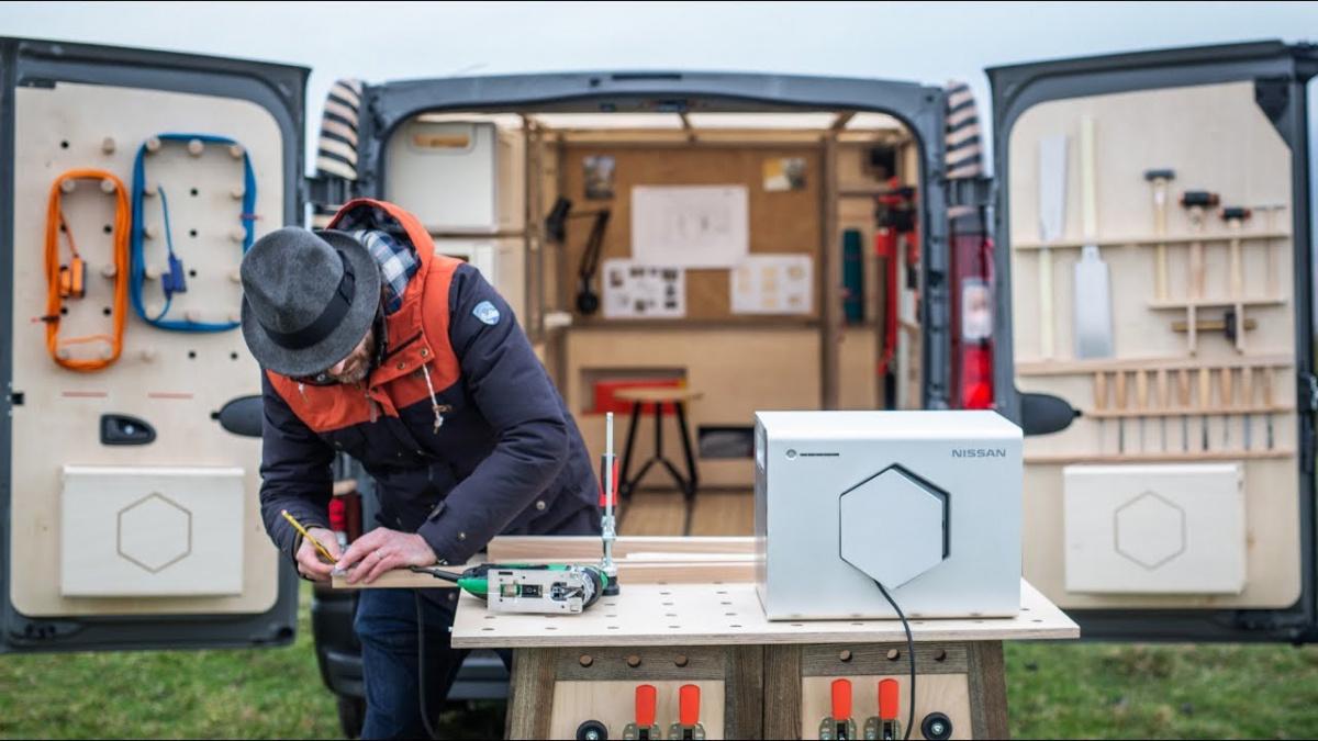 мобильную столярную мастерскую оснастили бэушными батареями от Nissan Leaf