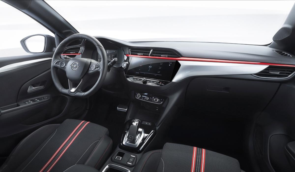 Opel Corsa шестого поколения (F) салон