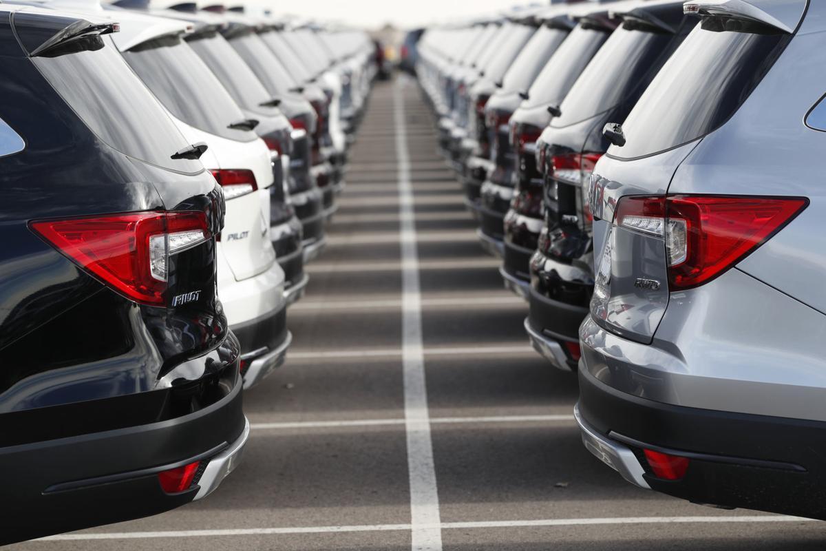 спрос на новые авто падает