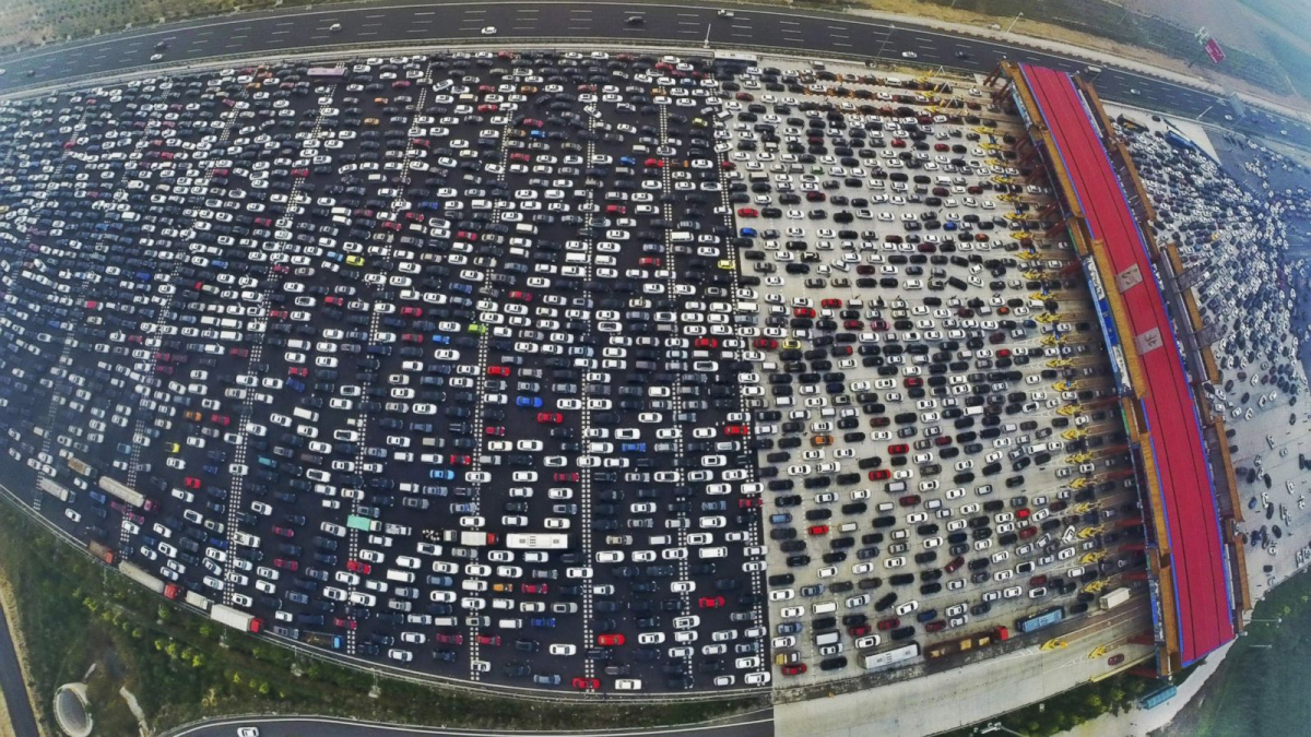 сколько на дорогах Китая ездит автомобилей