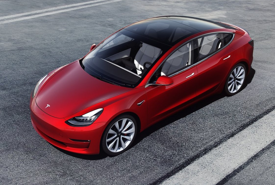 Стало известно, когда Tesla выпустит компакт-кроссовер Model Y