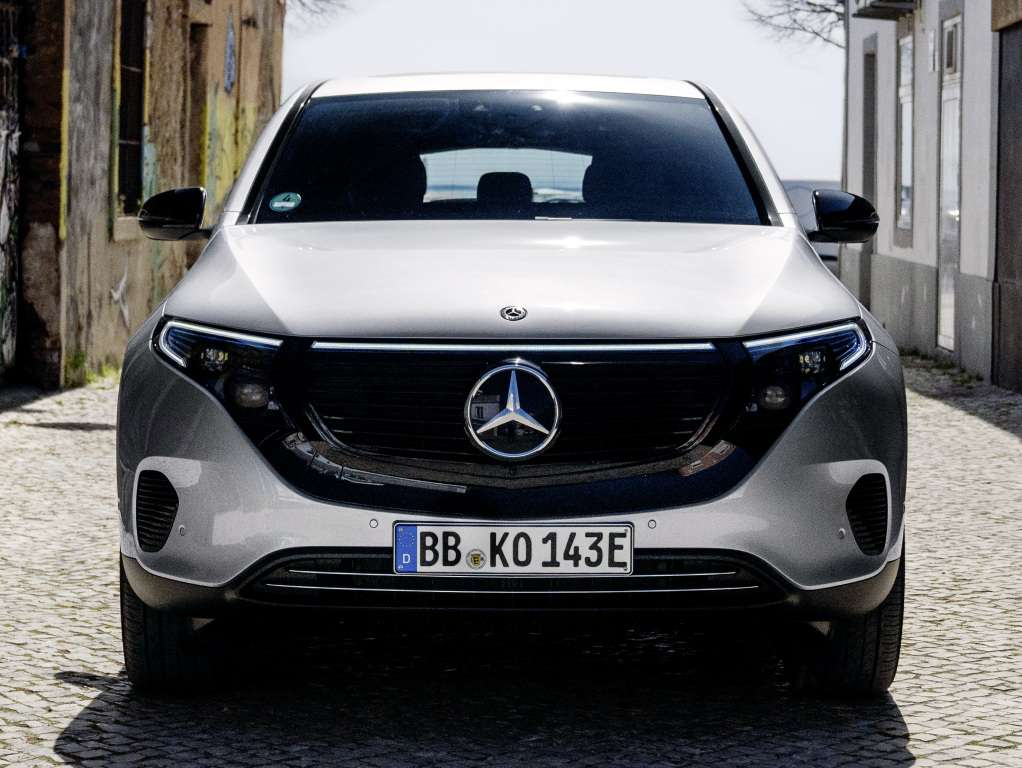 Новый электрокар Mercedes оказался дешевле Tesla