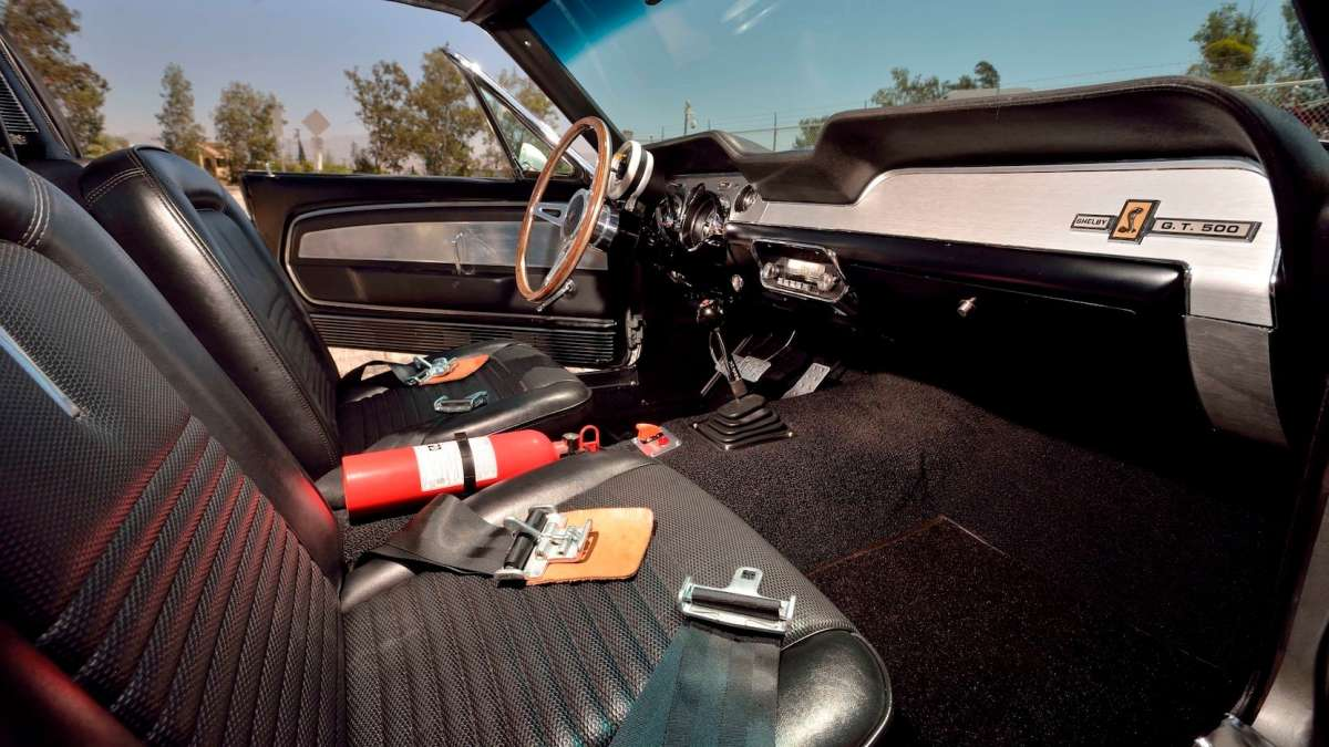 Самый легендарный Ford Mustang всех времен и народов продадут с аукциона