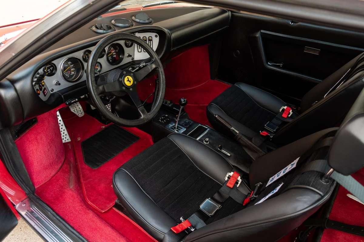 Уникальную внедорожную Ferrari продадут с аукциона