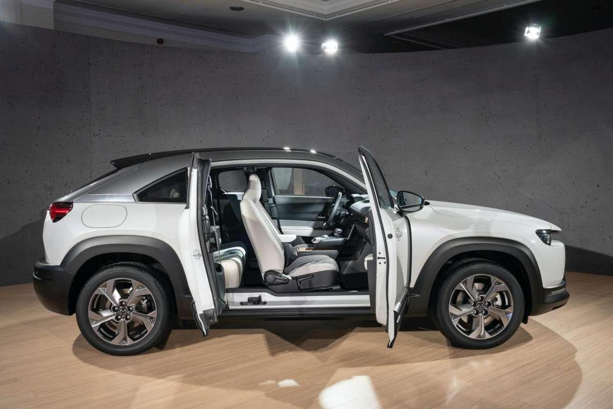 Первый электромобиль Mazda раскрыт в малейших подробностях